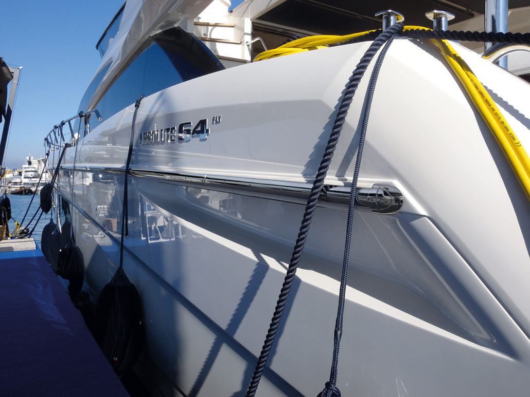 ABSOLUTE-YACHTS_64F_Sphaera-End-Cap