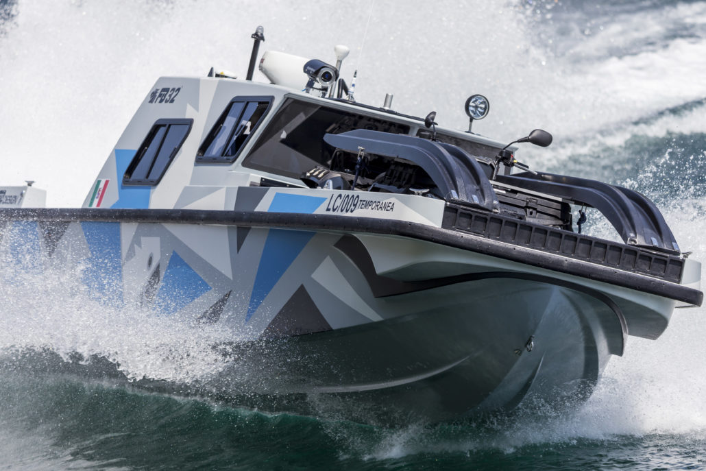 Boat with BINO 90