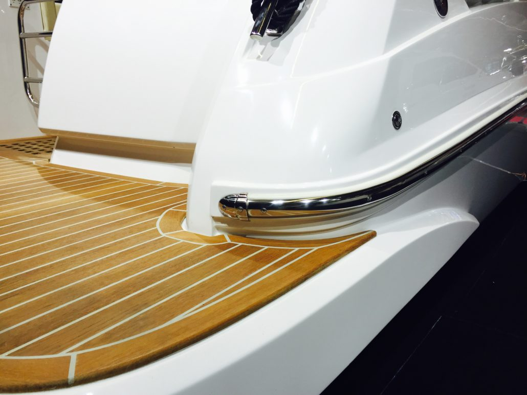 Boat with SPHAERA PVC BASE 65 RUB RAIL