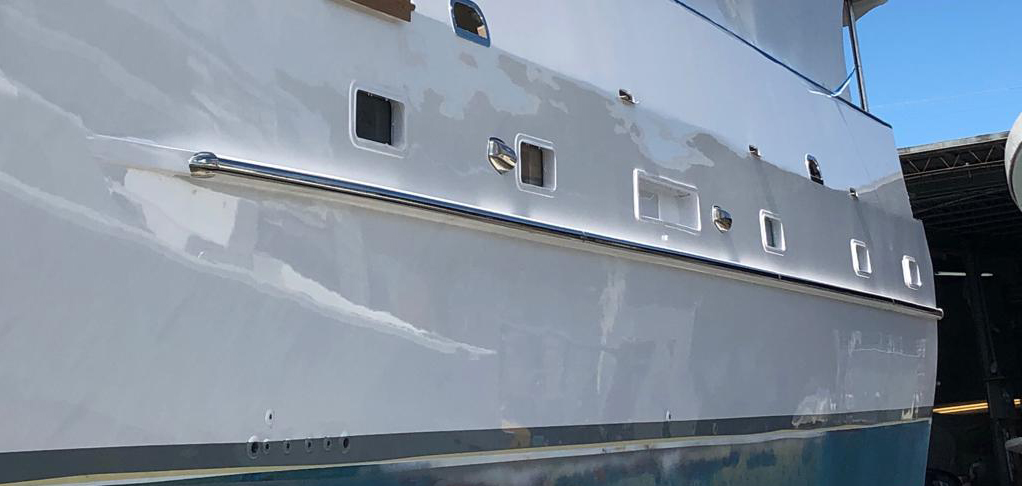 Boat with Boat Rub Rails BINO X 50